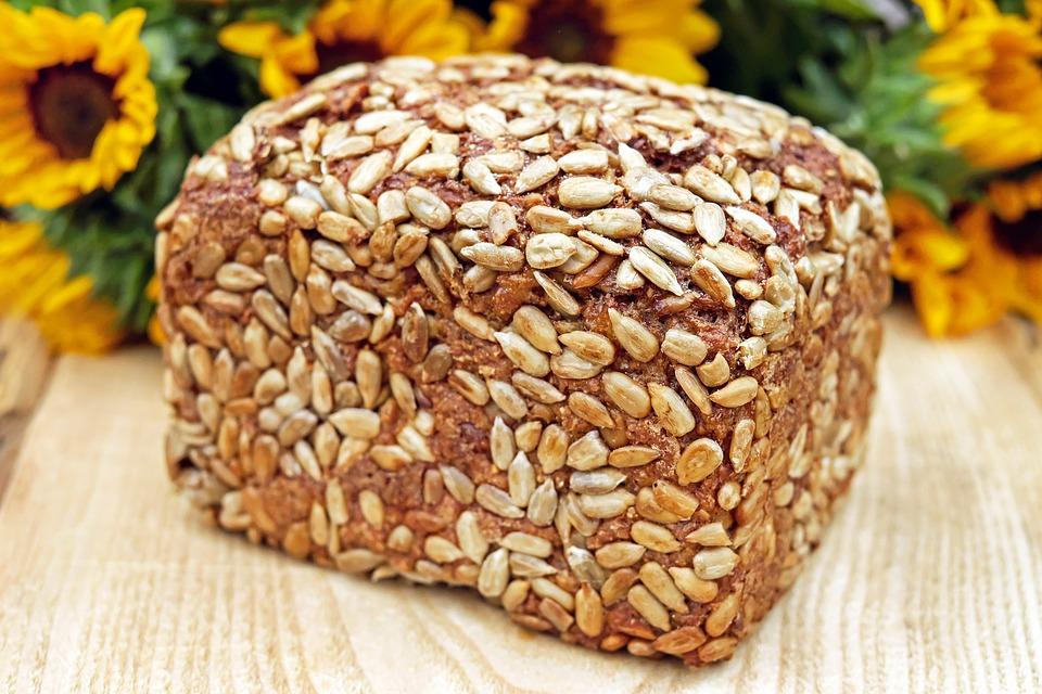 rustikální pečivo, vegan pečivo, chleba, semínka